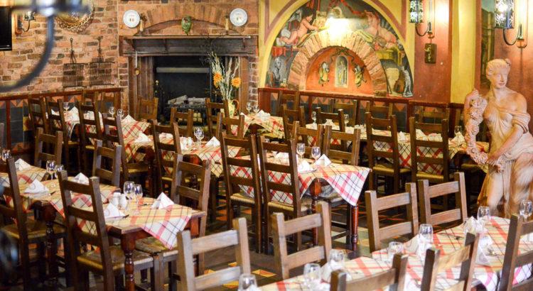 Join us in our fabulous restaurant for an Italian Christmas dinner